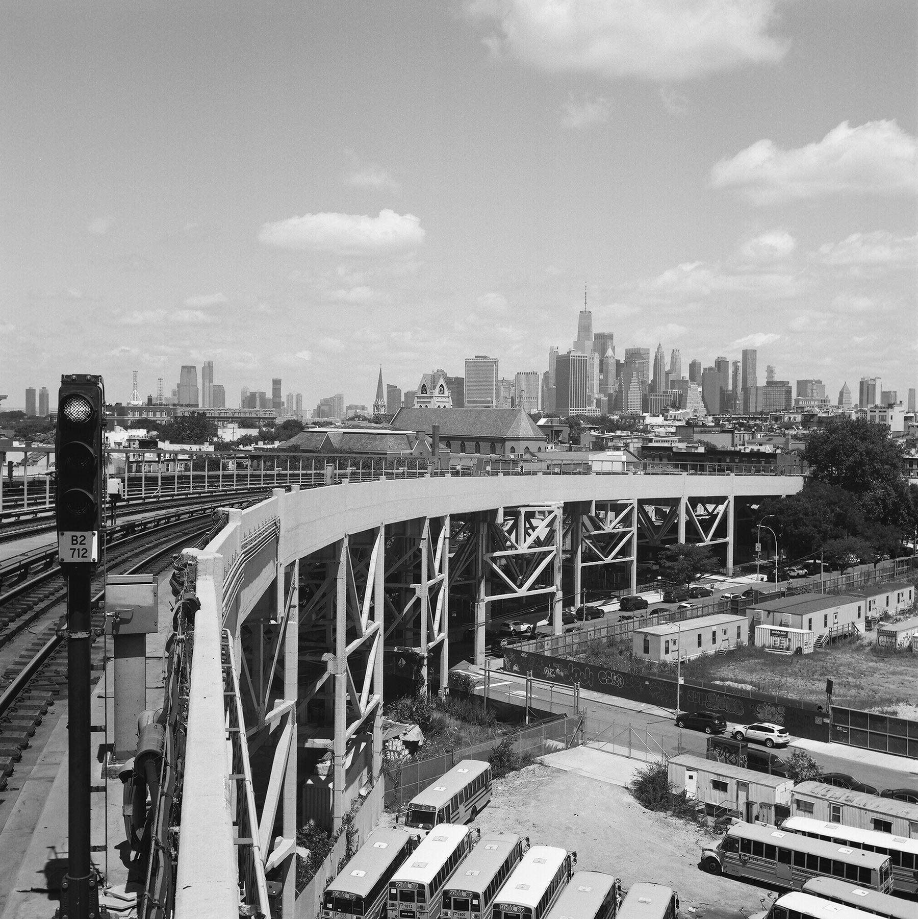Manhattan-skyline-from-9th-street-subway-bridge